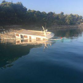 Intervencija u Milni na otoku Braču - Potonuće broda Lipi Škoji